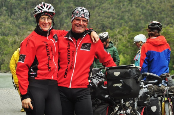 We met hundreds of other cyclists, including this Italian couple who recognized me from my blog!