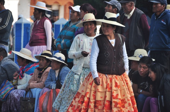 Another example of topically dressed Andean women.